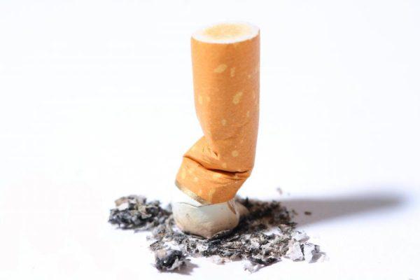 5032516-zgaszony-papieros-900-600
